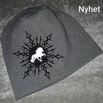 Mössa grå snöstjärna islandshäst i reflex & blingstenar.