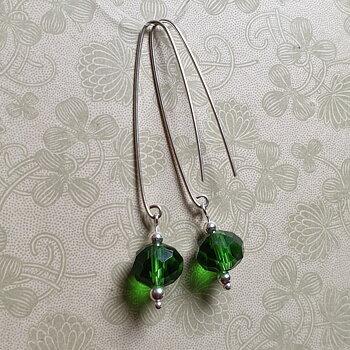 Örhängen facetterat grönt glas, handgjord krok - 925 Sterling Silver