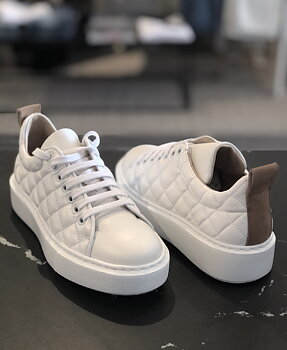 KMB Sneakers white/camel