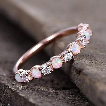 Ring  med små rosa Opalstenar och Cubic Zirconia i 18K Roséguldplätering