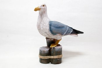 Great Black-backed gull on pole 35x32 cm
