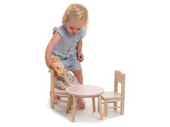 Doll table & chairs