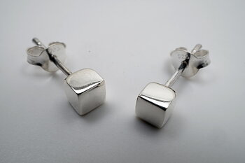 Kub blank 4mm örstick, 925-silver