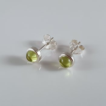 Earstick with peridot, sterling silver