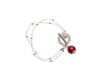 Pearls for Girls. Armband silverpläterat med röd kula