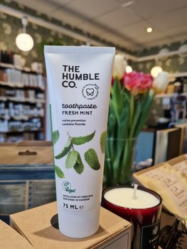 Natural Toothpaste – Fresh Mint with fluoride The Humble Co.