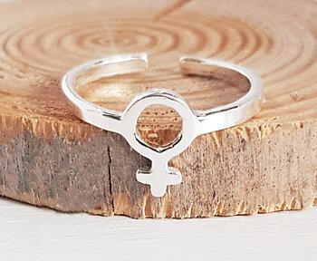 Fingerring med kvinnosymbol - sterling silver 925