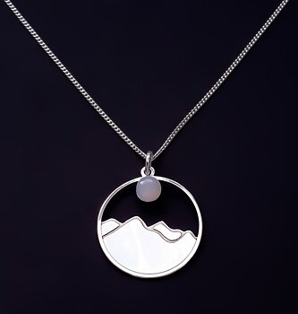 Hänge med berg och måne, silver 925
