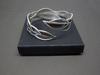 LEAFY - one-of-a-kind Bracelet