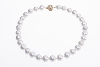 Large freshwater cultured pearl necklace with gold clasp 11-13mm