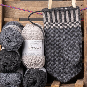 Knitting bundle mitten Skájdde Jokkmokk