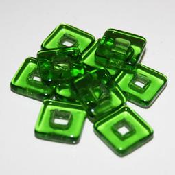 Fyrkantig rampärla utan hål, gröna. 11,3 mm. 10-pack.