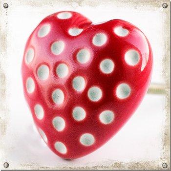 Grote hartvormige knop, rood