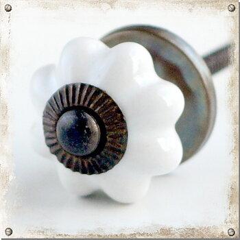 Lille knop, Hvid