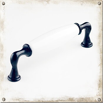 Black handle with white porcelain, Maja-Lina c/c 128 mm
