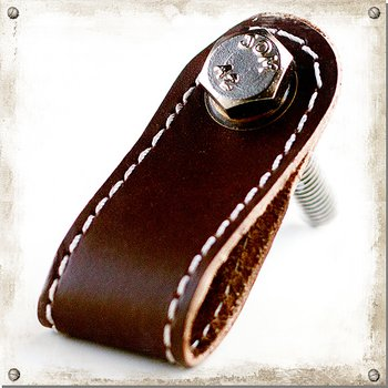 Knob in leather with seam, brown