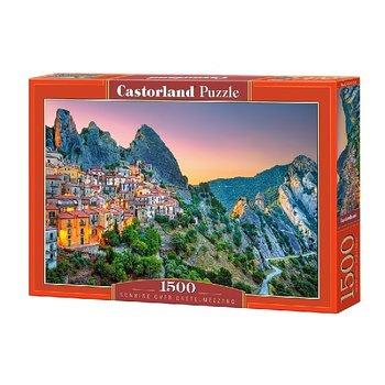 Soluppgång över Castelmezzano 1500 Bitar Castorland