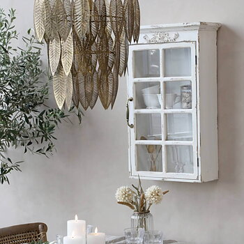 Väggskåp med vacker dekor Fransk stil