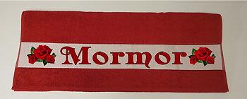 Badehåndkle  140 x 70 cm rødt  med eget motiv og tekst.
