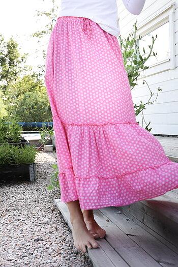 Handpicked - Flowered pink ruffle skirt