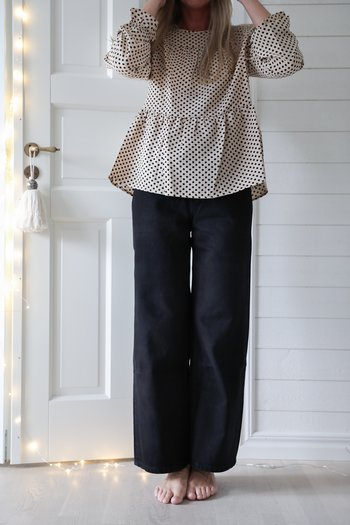 Handpicked - Blouse with dots and ruffles