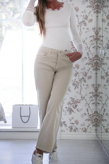Handpicked - Sandfärgade jeans i lite vidare modell