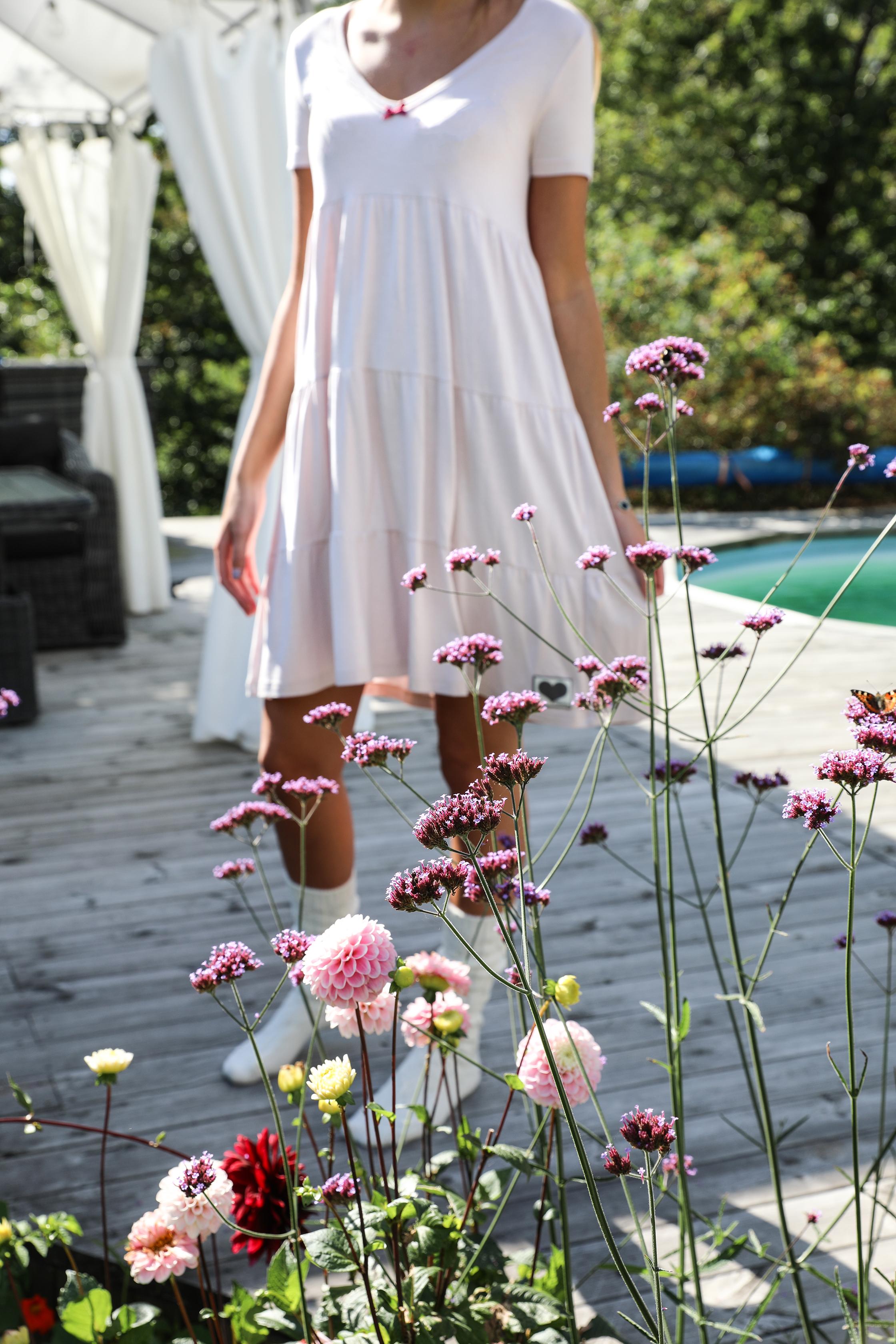 Blooming Dahlia klänning puderrosa Bloomingshop.se