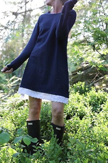 Hanna . R . Blooming - Älsklingskänning Blueberry forest