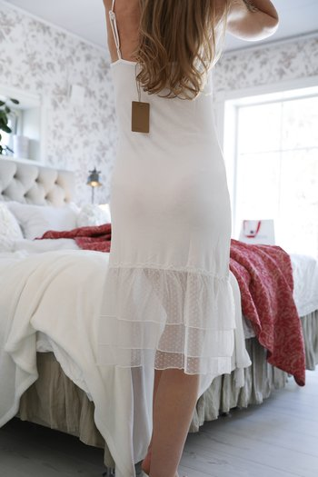 Jeanne d`Arc Living - White romantic knit dress with tulle