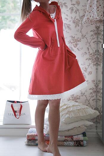 Hanna . R . Blooming – Big heart  hoodiedress soft red