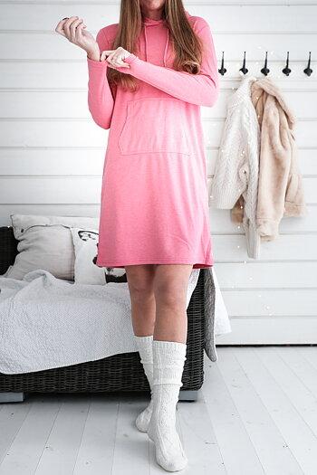 Handpicked - Karamellrosa hoodieklänning
