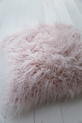 Handpicked - Cushion cover fluffy pink