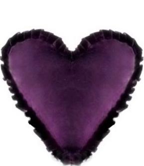 Hjärtkudde prune lila sammet med volang shabby chic lantlig stil