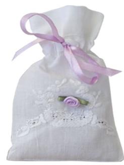 Vackert broderad handgjord påse Lavendel shabby chic lantlig stil