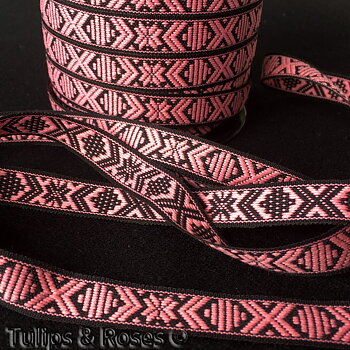 Traditional folk art ribbon 15 mm pink on black