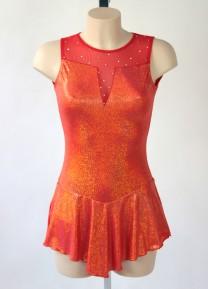 Röd klänning med metalliceffekt