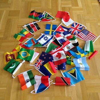 Flaggspel - 40 blandade nationer i tyg