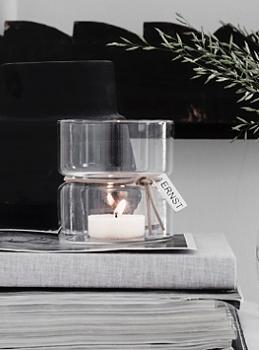 ERNST Ljuslykta i glas med läderband
