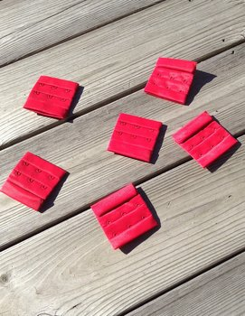 Hook & Eye 3x3 - Red
