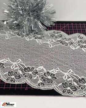 Stretch lace 17 cm - Ivory with grey flowers