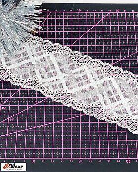 70 mm wide stretch lace - White with lovely pattern