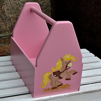 """Gammalrosa verktygslåda med  motivet """"ponny"""""""