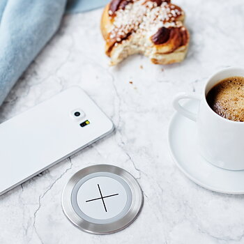 Axessline Qi Wireless Charger, Silver
