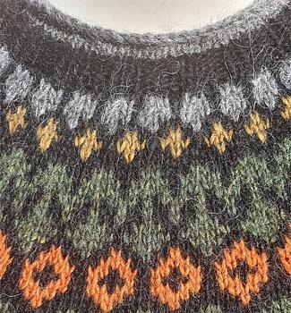 Riddari- Grå med orange och grön mönsterfärg- M/L