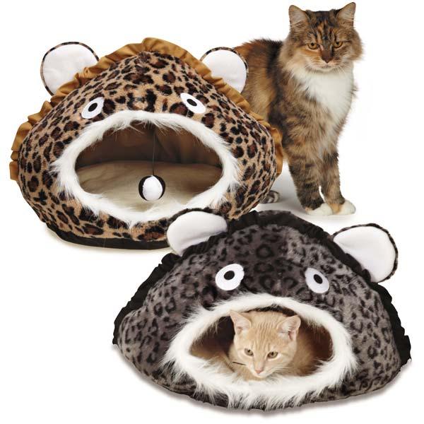 Tuffa kattkojor i leopardmönster- roliga kattbäddar