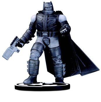 Batman Black & White Staty Batman by Frank Miller 18 cm