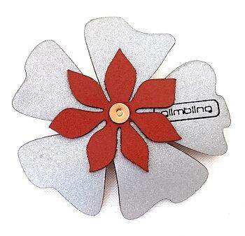 Reflex i form av an brun blomma poppy från Glimbling hos Jemasmix