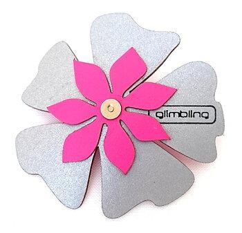 Reflex i form av en blomma cerise poppy från Glimbling hos Jemasmix