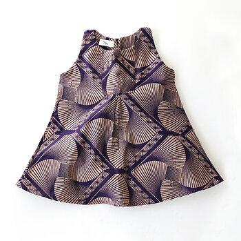 Barnklänning i afrikanskt tyg