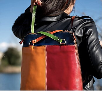 Multicolor ryggsäck från  Tornabouni i naturgarvat skinn, 32x10x31